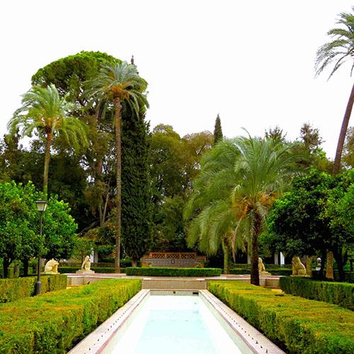 park in Seville plaza de america